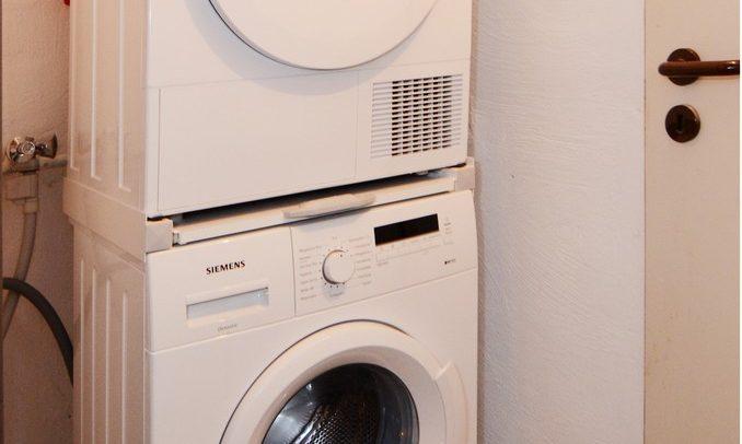 Bild zeigt die Wirtschaftsraum mit Waschmaschine und Trockner